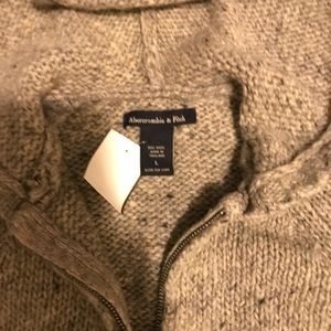 Abercrombie & Fitch Tops - 🍾🍾TWO HOUR SALE🍾🍾Sweater